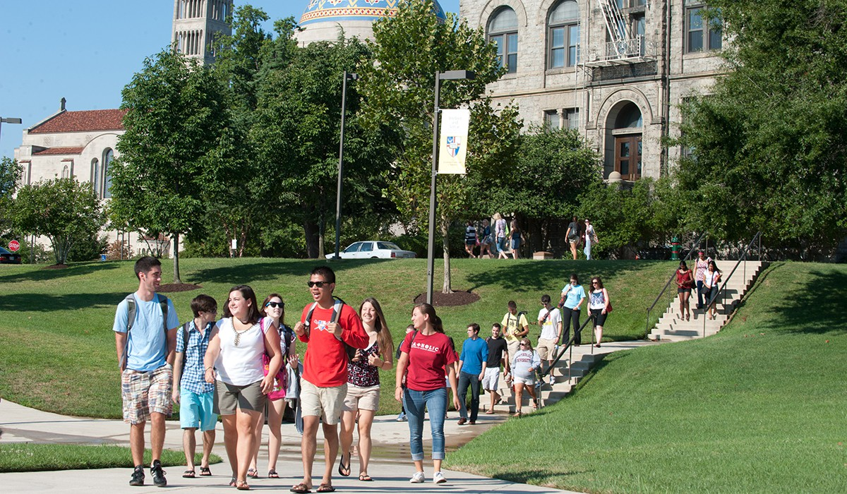 Students walking to the Pryz