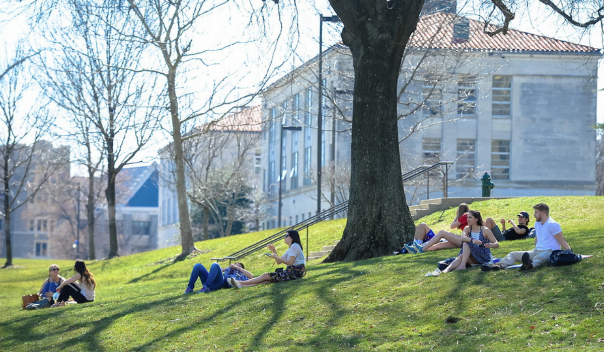 Students enjoying the weather on campus