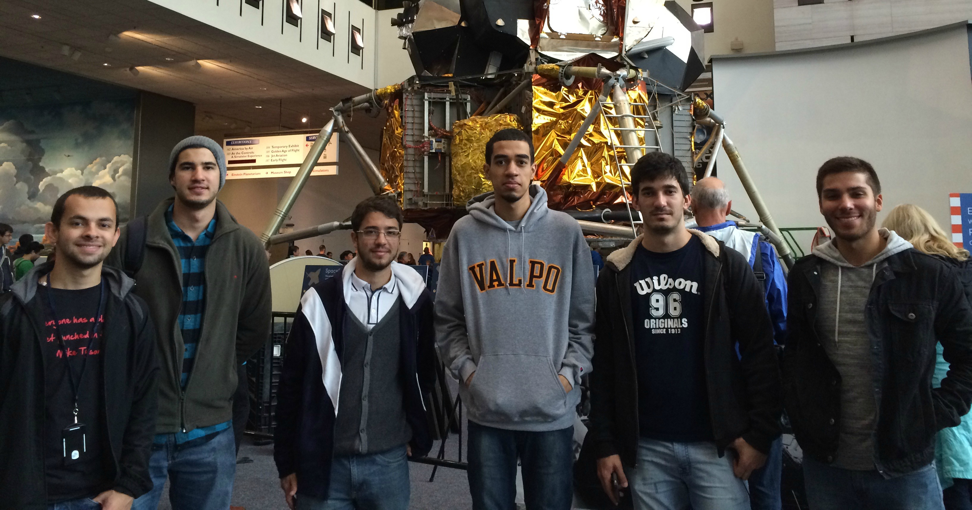 Students visiting the Air and Space Museum