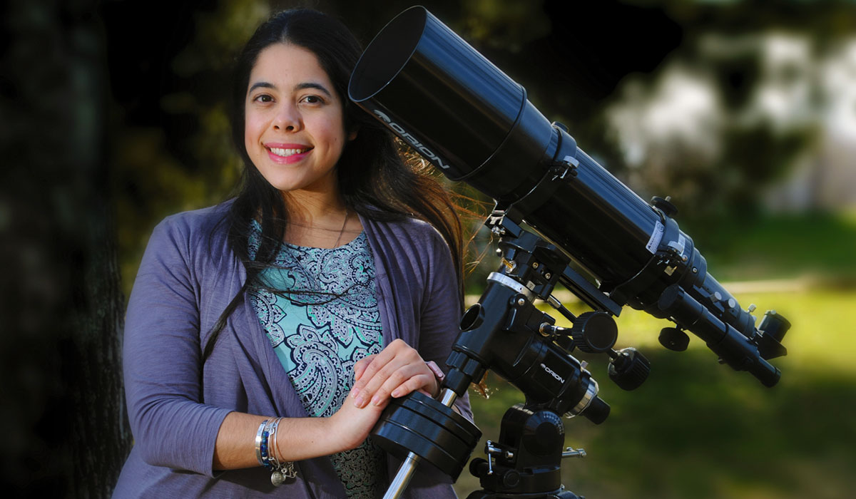 Amy Soto, a doctoral student in the Department of Physics