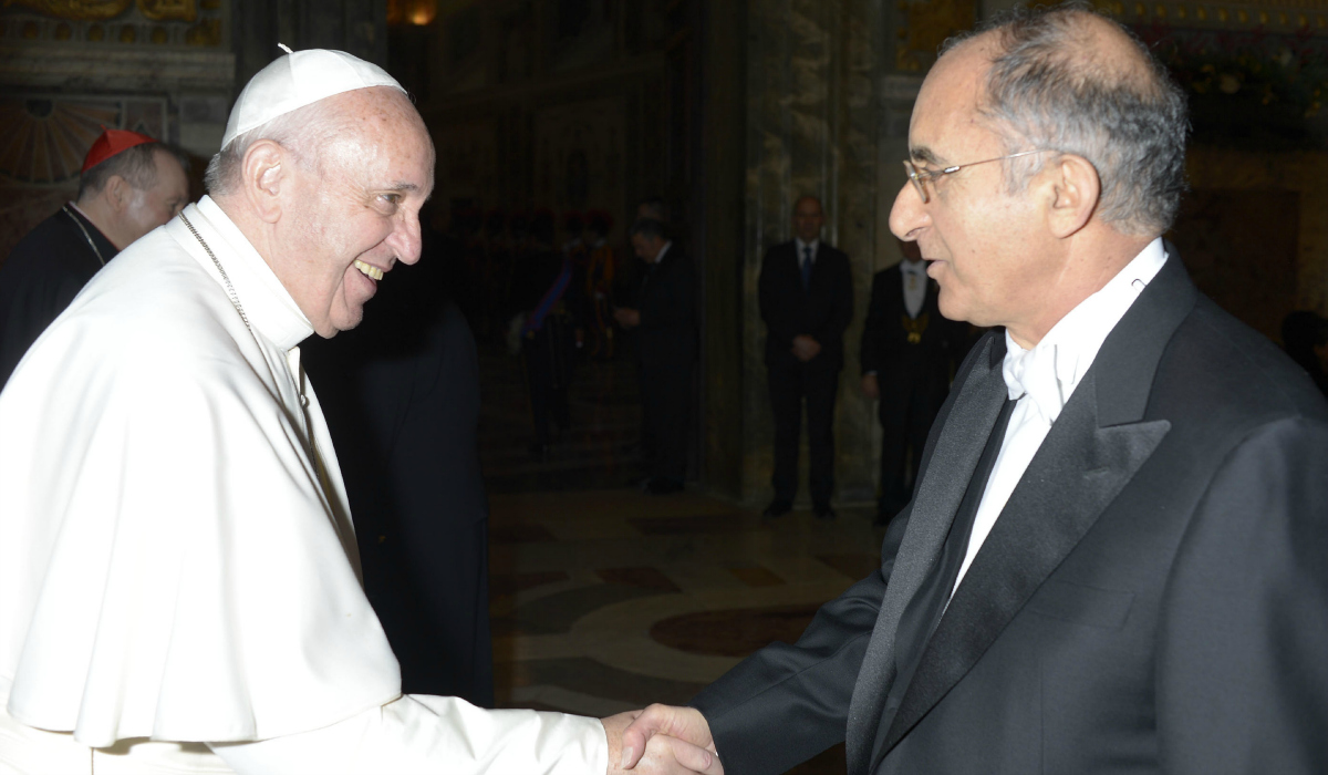 Pope Francis with Zion Evrony, visiting assistant professor and former Israeli ambassador to the Vatican.